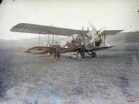 Arsimont : avion biplan sur les hauteurs d' Arsimont