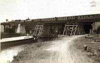 Auvelais : construction du pont et de la passerelle du chemin de fer