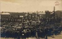 Tamines :inauguration du monument aux fusilles de la Place Saint Martin, en 1926